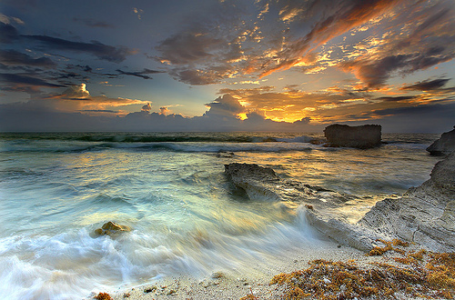 Not Thailand but Cancun. Nevertheless the picture illustrates the colours nature can throw out